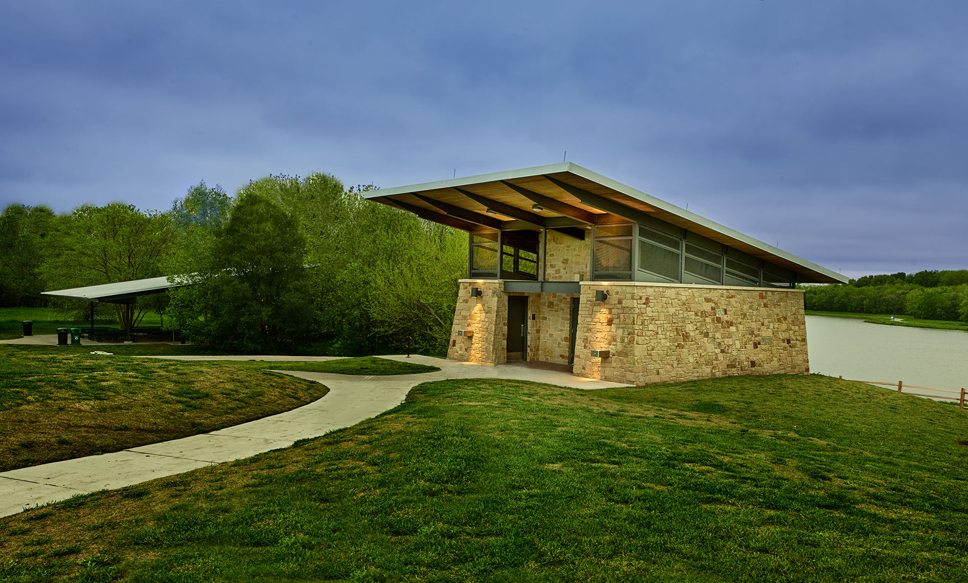 outdoor buildings at Oak Point Nature Center