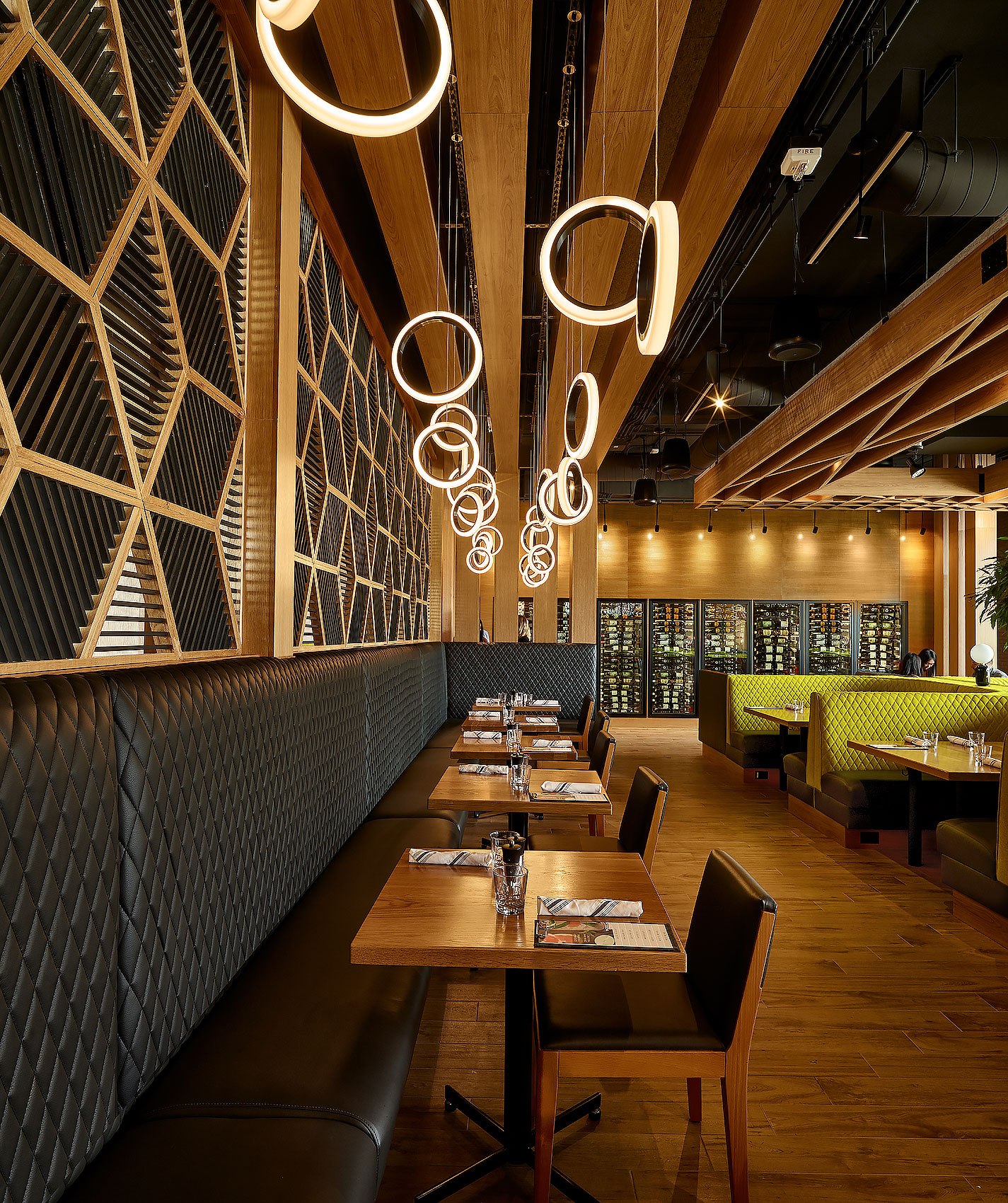restaurant interiors | restaurant lighting | commercial decor
